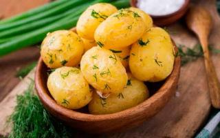 Сколько калорий в вареной картошке?