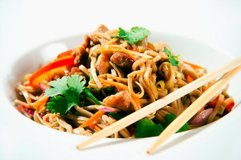 Рисовая лапша и фунчоза - отличия, способ приготовления, полезные свойства