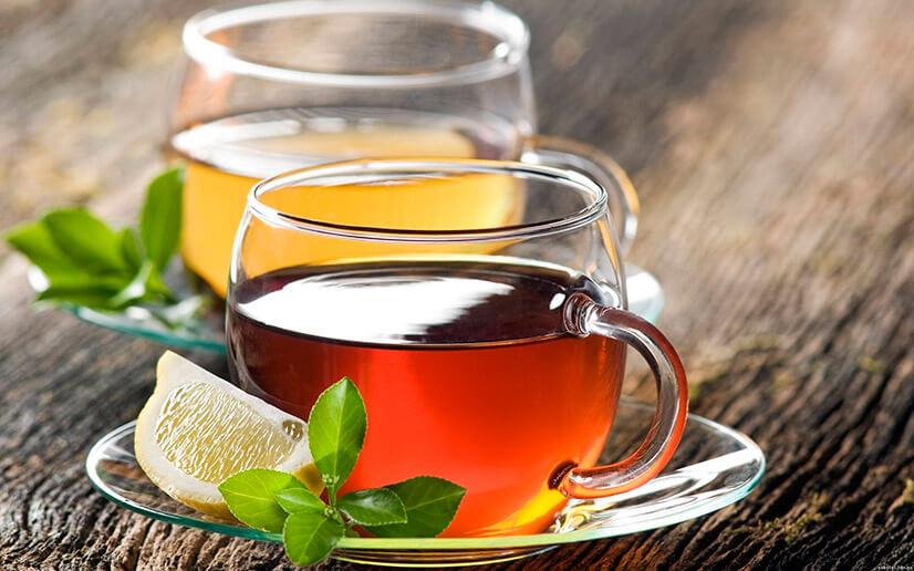 Зеленый и черный чай с сахаром - калорийность и полезные свойства