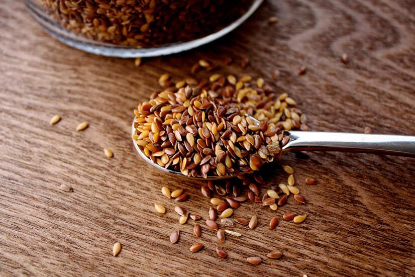В каких случаях нужно очищать организм семенами льна?