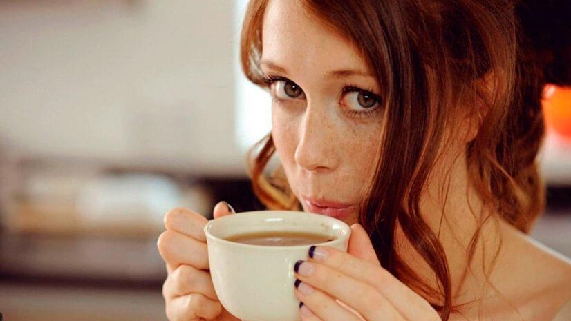 Сравнение калорийности чая и кофе
