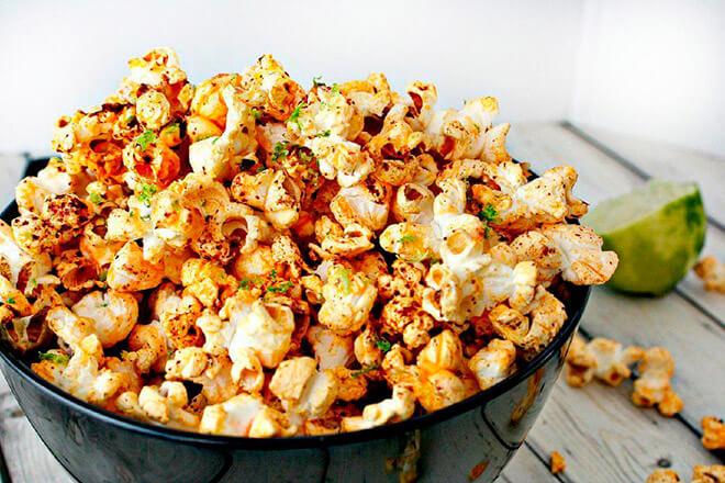 Калорийность попкорна разных видов и содержание БЖУ
